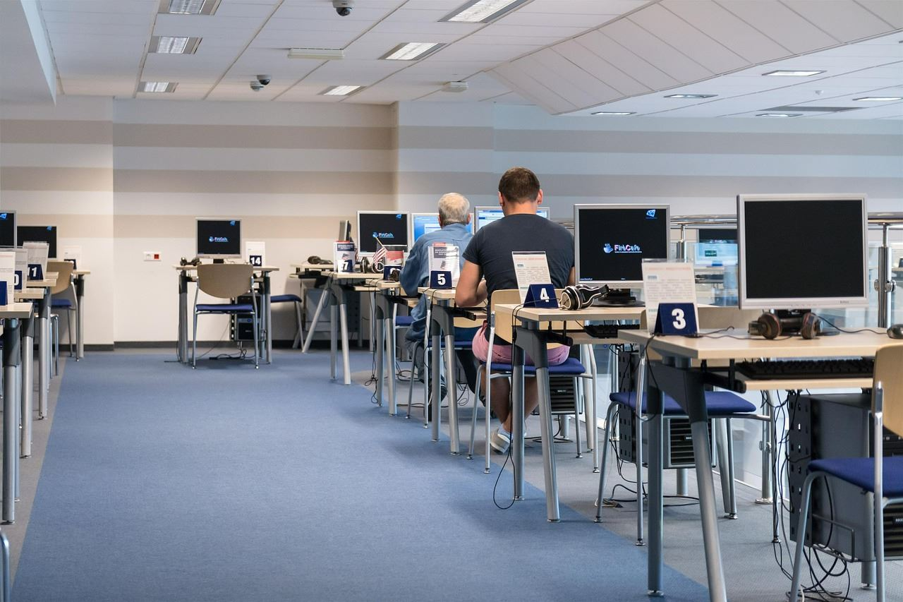 Public Computers and Internet Access | Austin Public Library |Internet Public Library